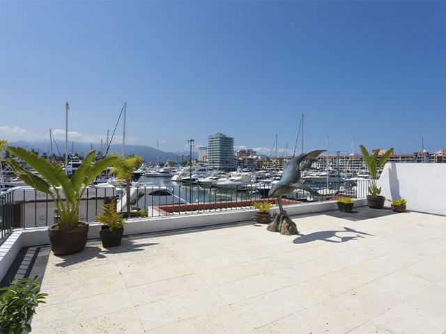 Condo 1210 Royal Pacific Yatch located in the heart of Marina Vallarta
