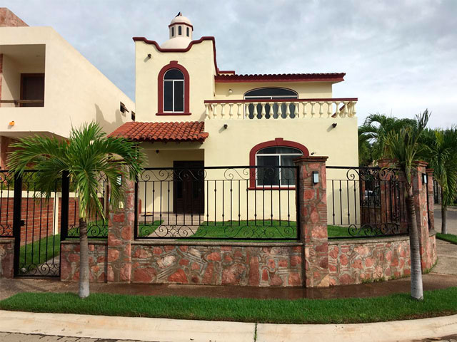 Villa Rosario in Residencial Los Mangos, corner lot villa within a quiet gated community