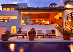 House Aqua: Luxury home at the exclusive gated community of Real del Mar