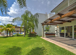 House 45 Real Nuevo Vallarta with direct access to garden and common pool