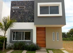House for sale at Residencial La Fronda, enjoy its great location near to shopping malls