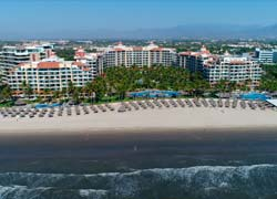 Penthouse condo 1832 Playa Royal Nuevo Vallarta, right in front of the beach