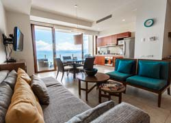 Condo Amura 601B Alamar located on the sixth level and breathtaking views of the bay