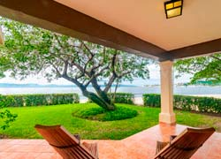 Villa 1 Punta Pelicanos, beachfront villa with amazing view in La Cruz de Huanacaxtle